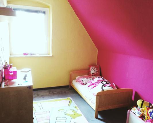 kleine doppelhaush lfte in sulzbach rosenberg traumreich. Black Bedroom Furniture Sets. Home Design Ideas